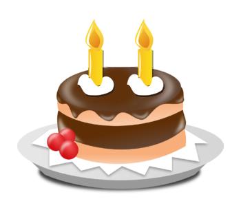 Kuchen mit zwei Kerzen.